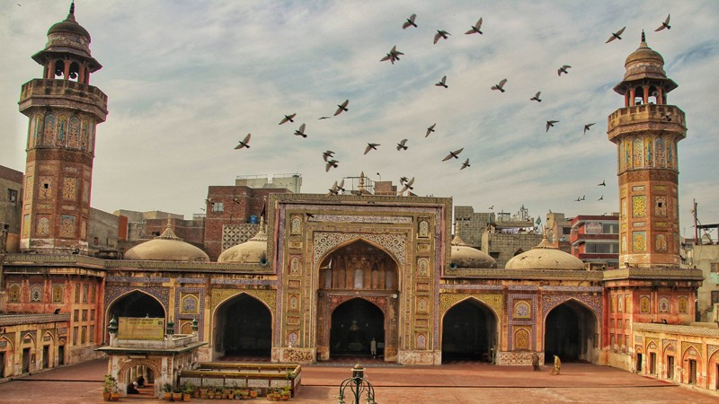 After-Wazir-Khan-Mosque-Leaked-Video-Shows-Shooting-At-Lahores-'Moti-Mosque