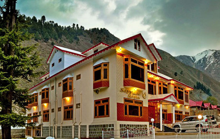 All-Hotels-In-Naran-Kaghan-Shogran-Sealed-After-Staff-Tests-COVID-19-Positive