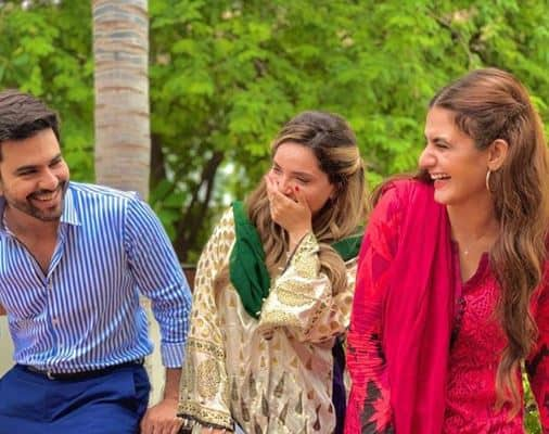Muhabbatein-Chahatein-Drama-Cast-–-Story-–-OST-–-Teasers-–Timings-1
