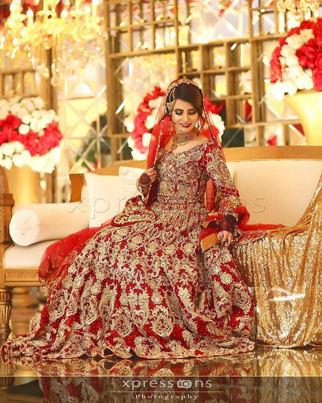 Pakistani-Latest-Bridal-Red-Lehenga-Collection-4
