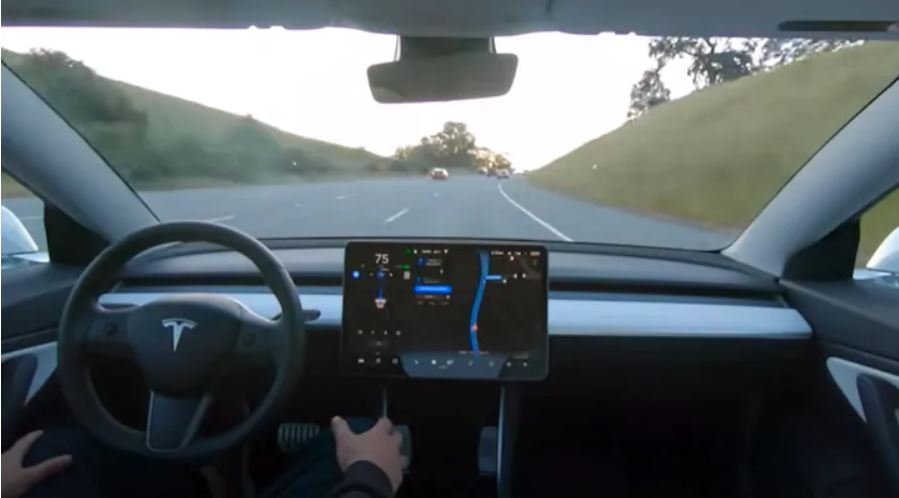 Tesla-to-offer-Self-Driving-subscription-next-year