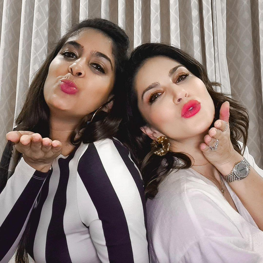 Sunny Leone Shares Stunning Photo From Her New Year Celebrations